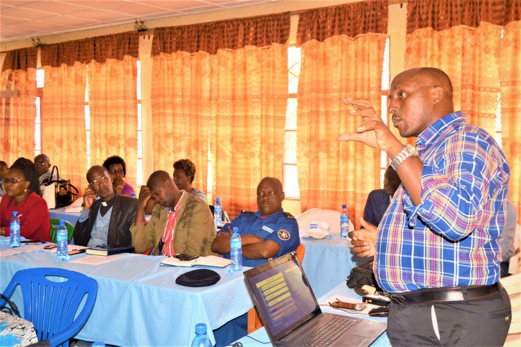 Durant l'atelier d'échange et d'information organisé par CASOBU sur les objectifs du projet